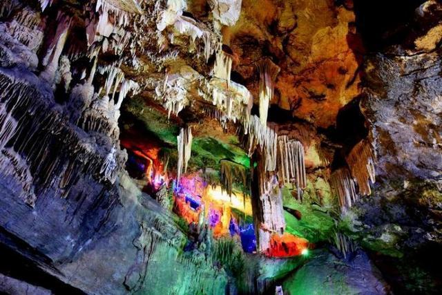 女人嫩穴洞_洞内地质结构独特,自然景观奇绝,壁流石,穴盾钟乳形状各异,是大自然鬼