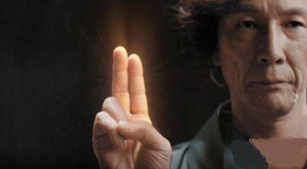 女八潮吹_(黄金手指:日本av男优御三家黄金手指不断让8000名女av\