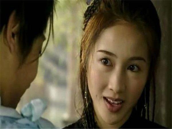 凝霜:《人鬼神》林正英饰演的敖天龙 黎姿饰演的凝霜,是敖天龙的养女.图片