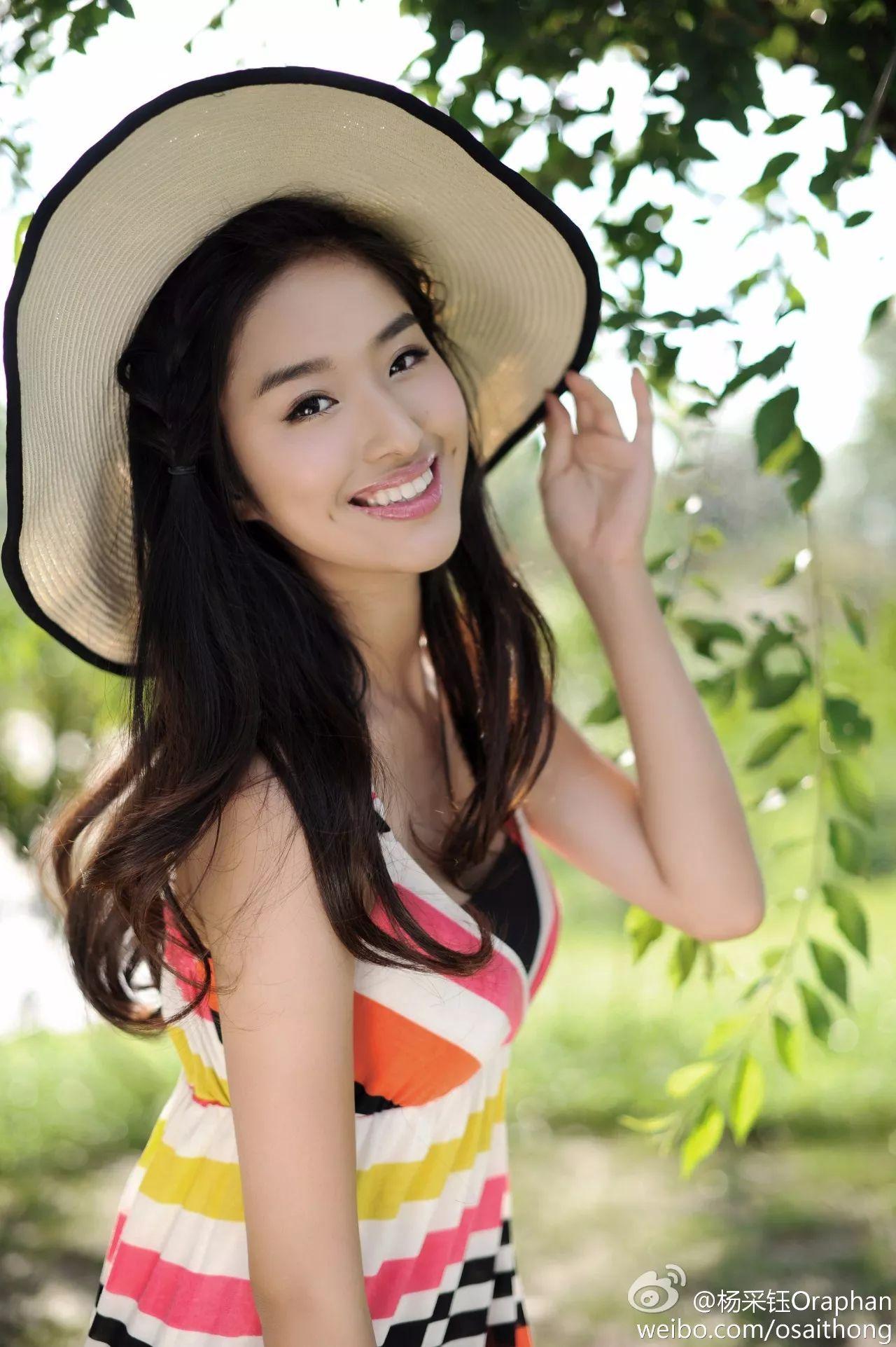 撞脸撞衫撞出身,这个姑娘是怎么惹怒刘亦菲的?