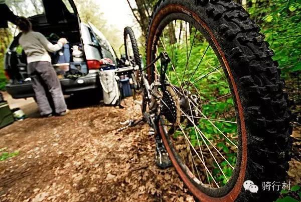 你骑山地车吗?你了解山地车轮胎的特性吗?