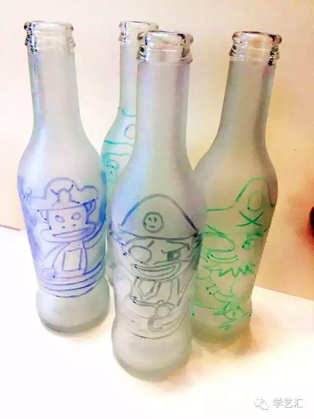 第一步:搜集一些漂亮的瓶子,处理干净,撕去上面的商标,洗干净,备用.
