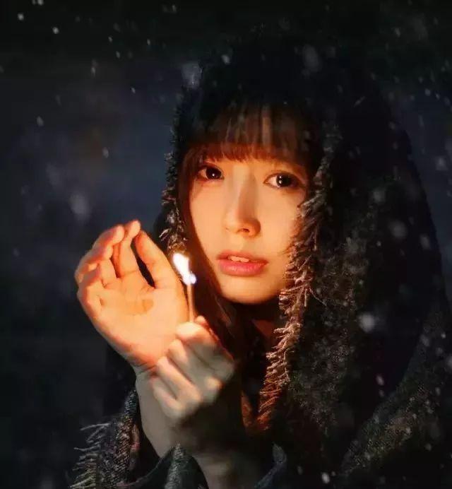 冬季下雪天美女的微信头像