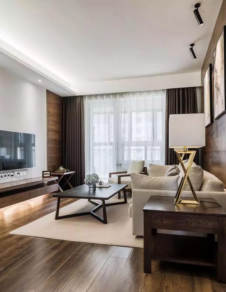 90㎡简约现代装修,木地板上墙确实很有范儿!