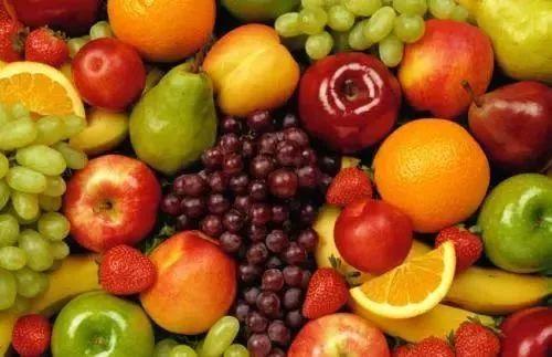 的水果.维生素c可以消除能对眼睛造成伤害的自由基.