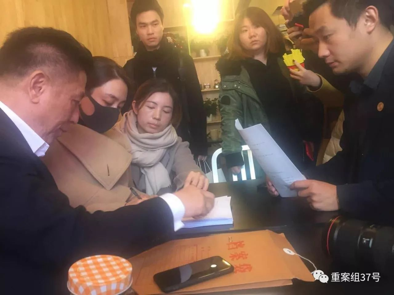 现场直击丨演员马苏法院递诉状,起诉黄毅清诽谤