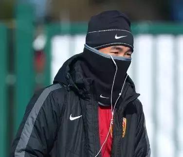 杭州亚运会--常州冰天雪地,但里皮让国足球迷包含热泪!