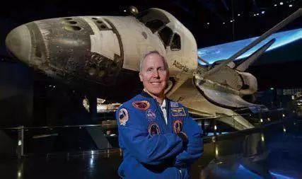 太空探险是一种什么样的体验?