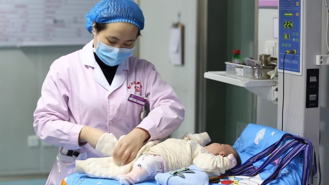 亚洲护士无码_新生儿科护士·龙 微