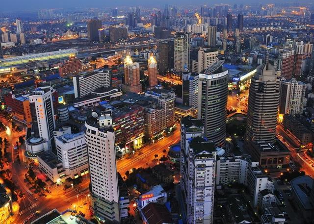 江苏gdp最大城市_大无锡胜利门 城市, 建筑 影子 の传说 图虫摄