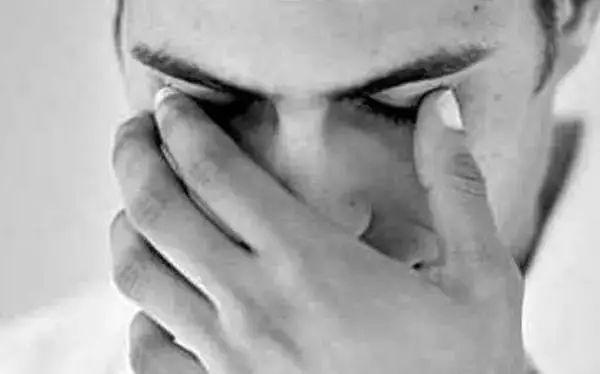 当你的眼睛出现这5大症状,赶快去查查自己的肝脏吧