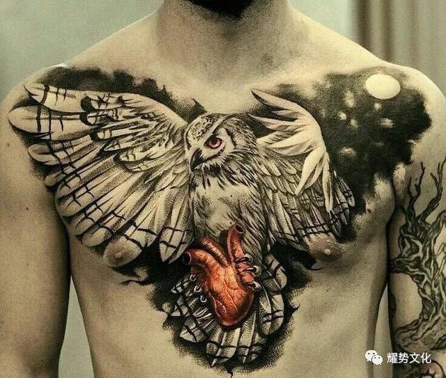 因此卡通的猫头鹰形象戴着眼睛,十分绅士 这一形象也被纹身爱好者们很