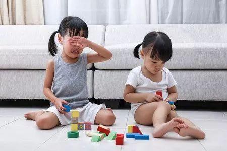 妈妈挑逗儿子操屄屄电影_聪明的妈妈不逼孩子道歉