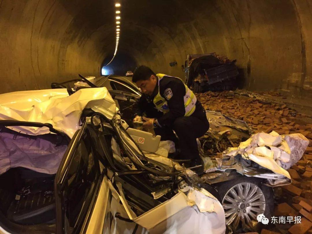 悲惨!泉州高速发生3起夺命车祸 一家六口五人亡