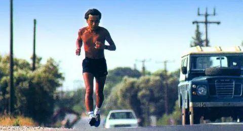村上春树:跑步,让我感悟了前进的方向