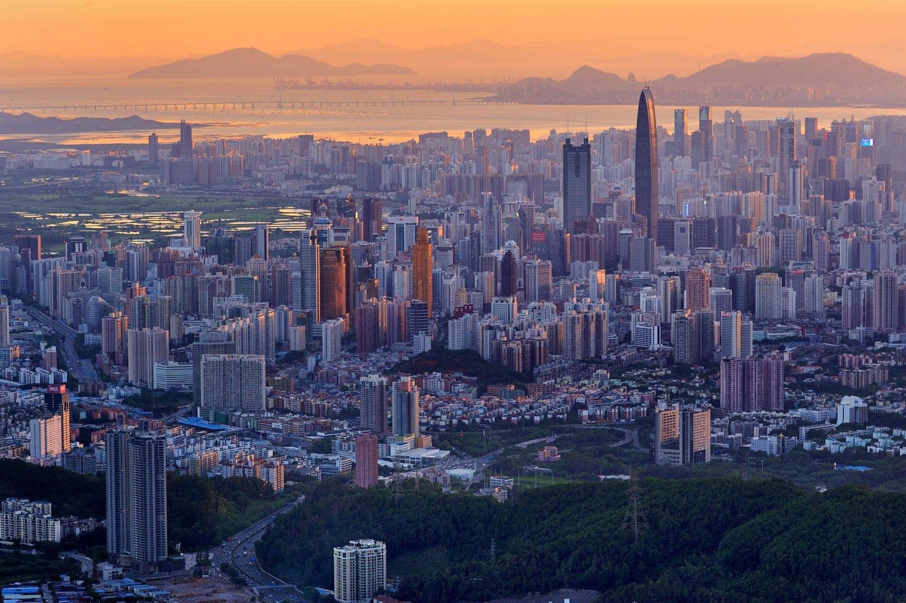 广州 香港 深圳经济总量_深圳香港经济