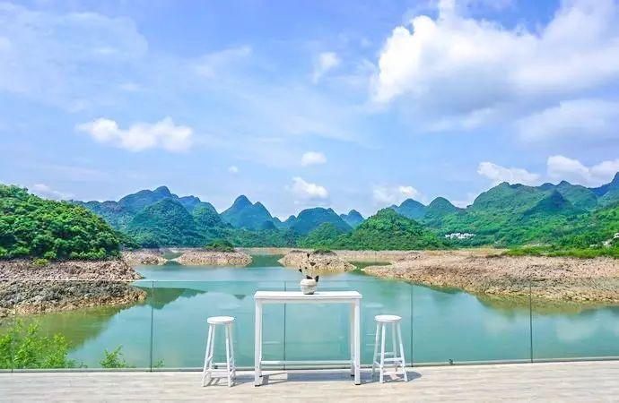 桃花湖的风景如画,更有几分洱海的味道