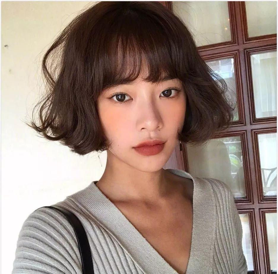 圆脸方脸的女生,发型怎么弄能快速提升气质?