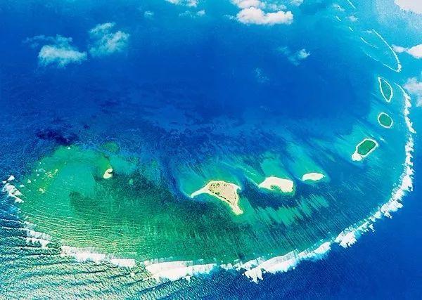 国第一座海水淡化工程——西沙海水淡化站,在西沙群岛永兴岛建成投产