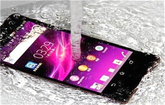 互联网+--美国限制华为手机进入美国市场,中国为什么不能diss回去?