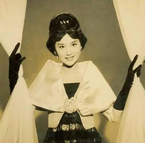 她是金庸的梦中,被誉为西方赫本,真正的小龙女原型!
