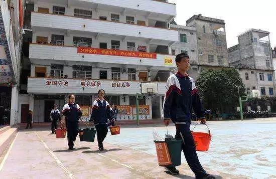 生活 正文  2016年12月公布的第一批名单 共有38所学校上榜 其中南宁