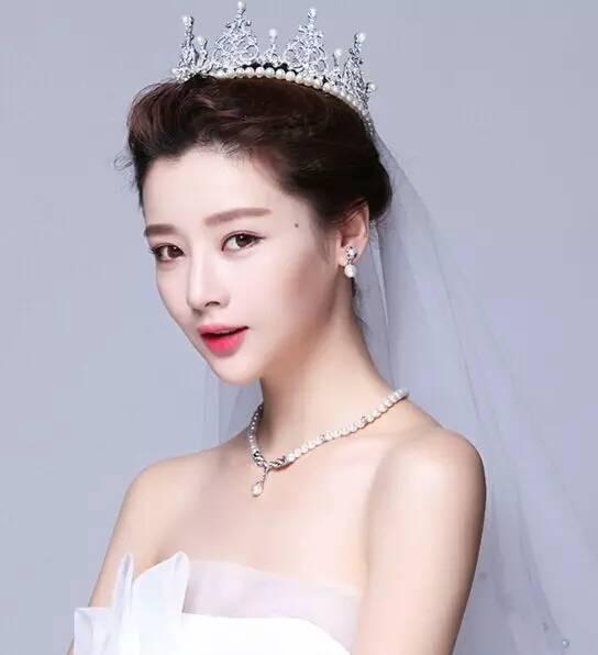 那些美得让人窒息的新娘皇冠造型都在这里图片