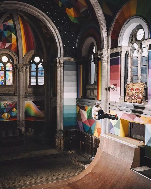 悬崖、废墟、滑板、上帝之光,这是一份最具时尚设计感的小众教堂清单