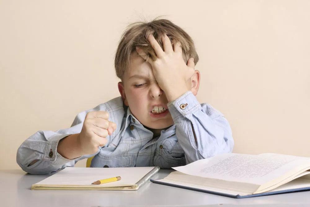 """老师给出""""正确姿势""""不少老师认为要想陪写作业,家长必须做到以下几点图片"""