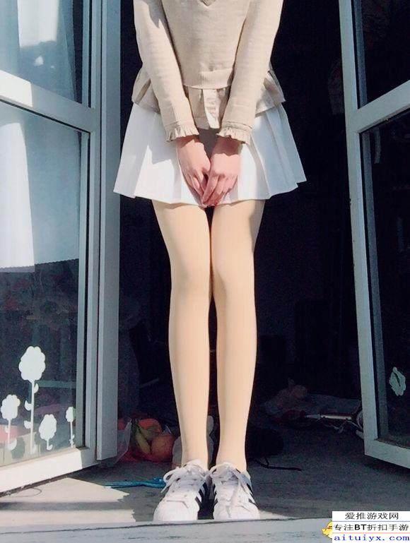 人妖主播_吃鸡主播陪妹子玩游戏 送完裙子发现对方是男人