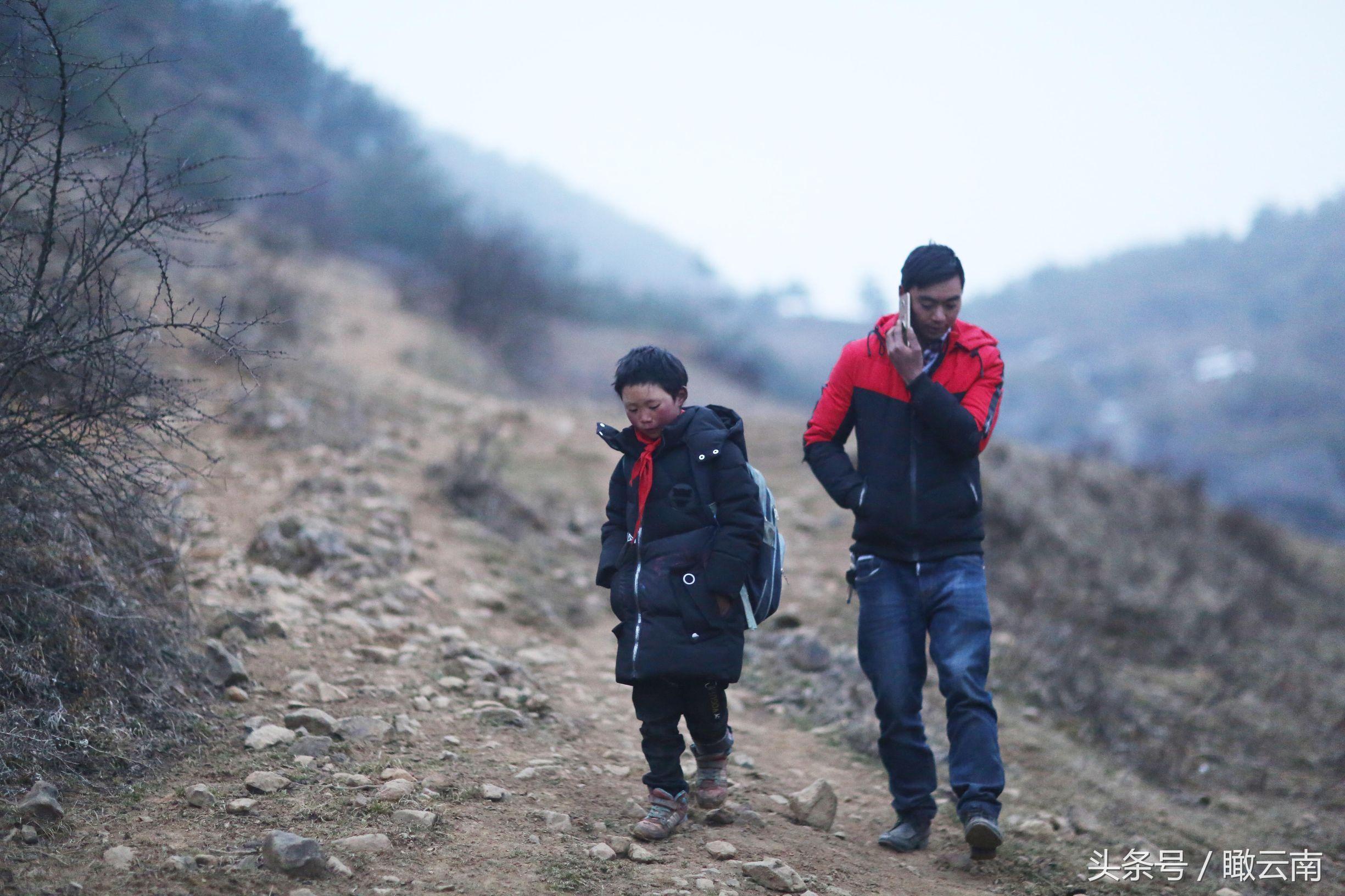 云南鲁甸教育局 冰花男孩已收到8千元捐款 一夜暴富不利成长