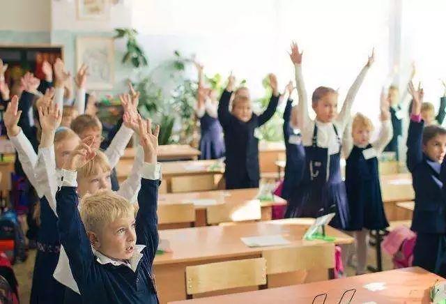 为何这个国家的校外教育闻名世界?给你还原真实的一面 | 视野