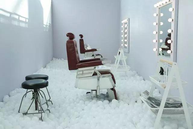 艺术先锋 | 徐震:中国艺术家要放得开 要够自信 - 酷卖潮物~吧 - 酷卖潮物~吧