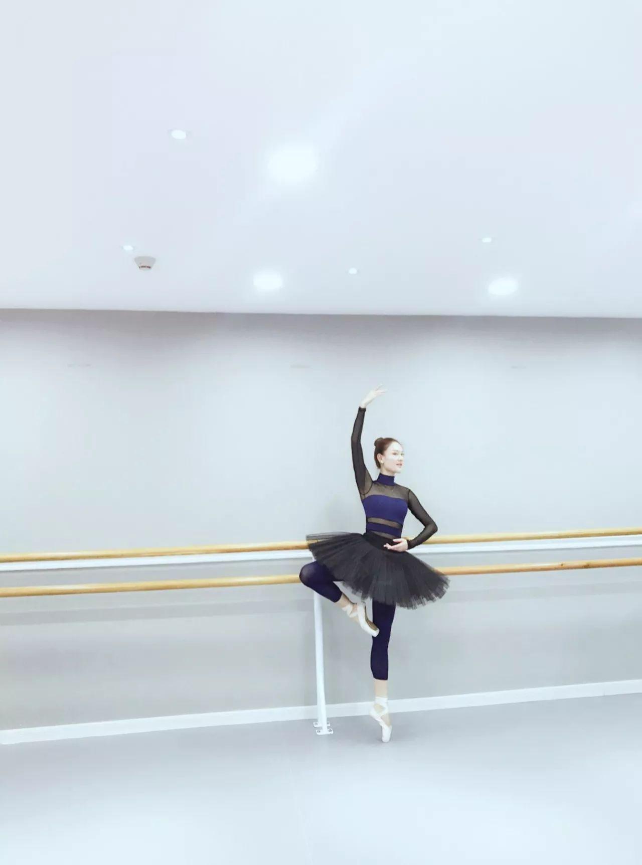 这位颜值爆表的郑州妈妈,把芭蕾跳到了世界舞台,为母爱亦为修行,她活出了女人最美芳华