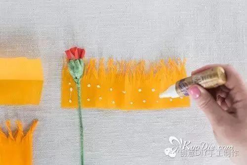 纸艺|皱纹纸牡丹花手工纸花的折法图解教程