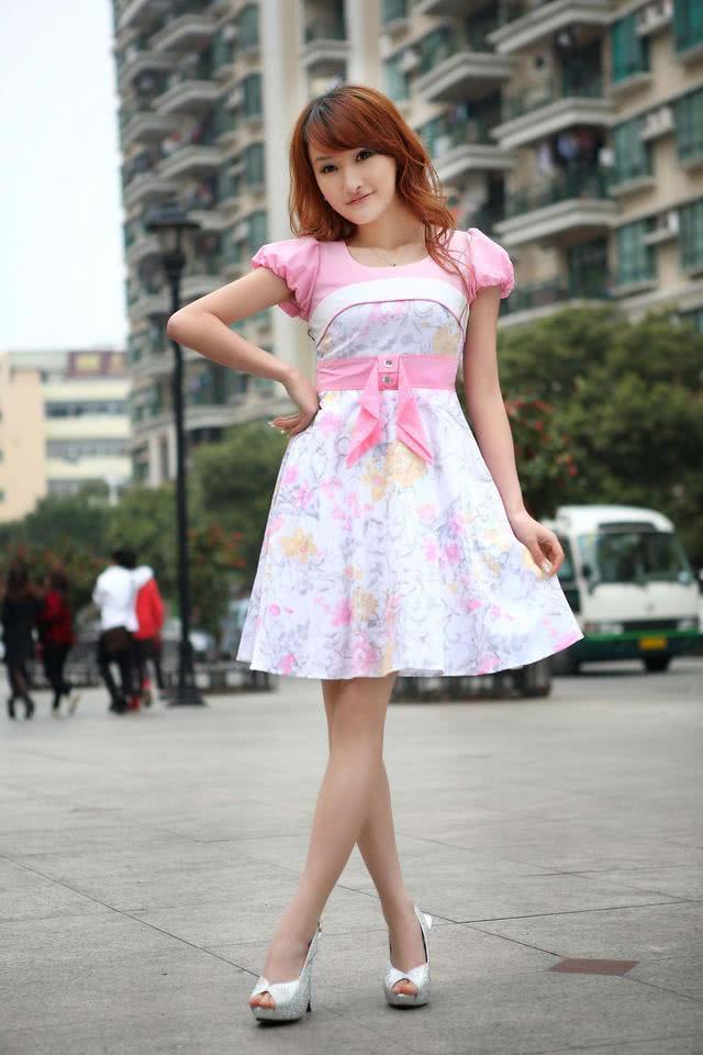 爱穿美女的a美女时尚,裙子漂亮拍街美女时尚图片