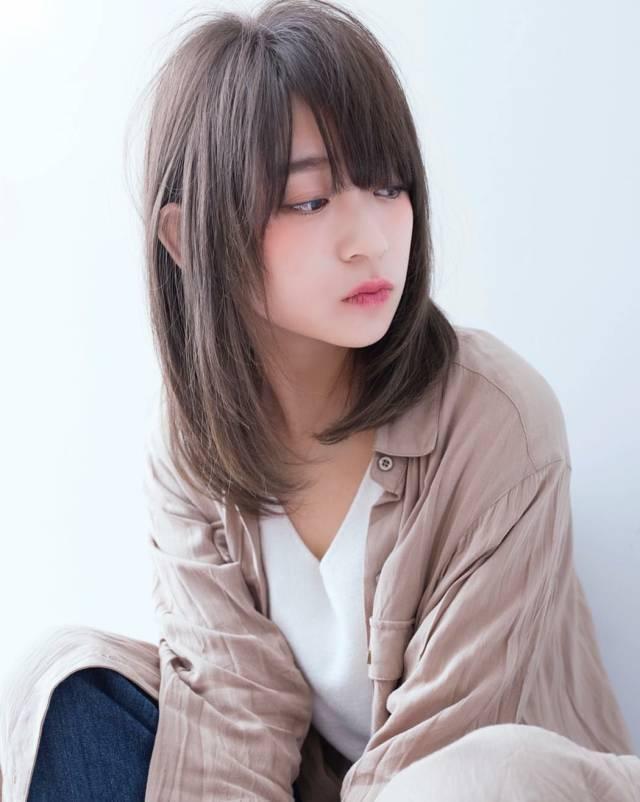 发型欣赏——女生中长发