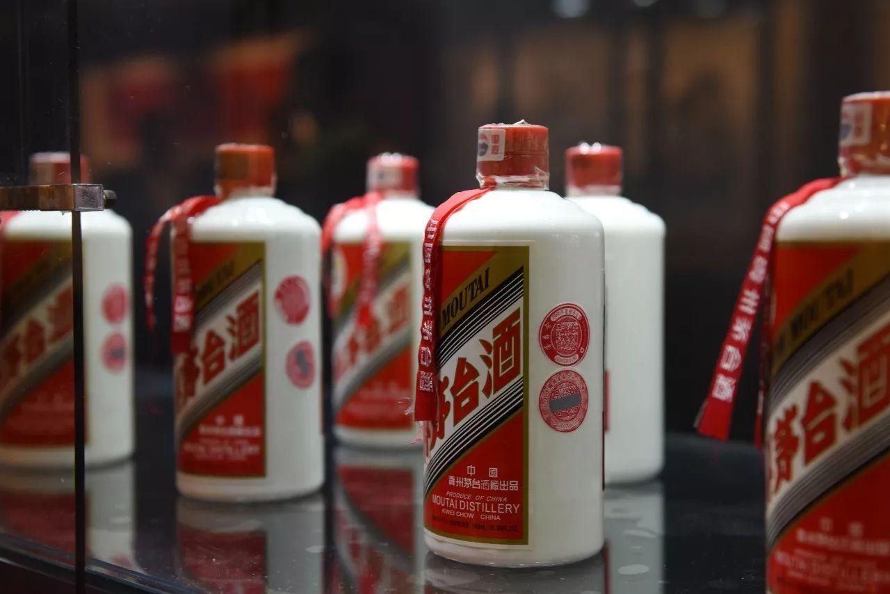 """付费精选茅台股价屡创新高,酒业公司如何依靠品牌价值""""酿造""""升值潜力?"""