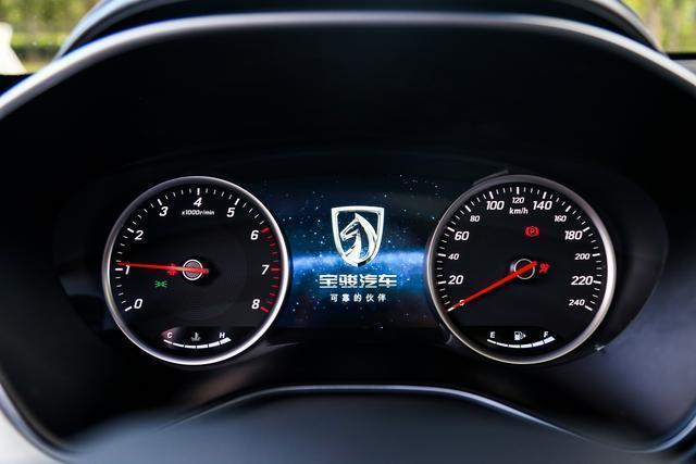 电动座椅调节,esp车身稳定系统,多安全气囊,胎压监测,倒车影像,7英寸