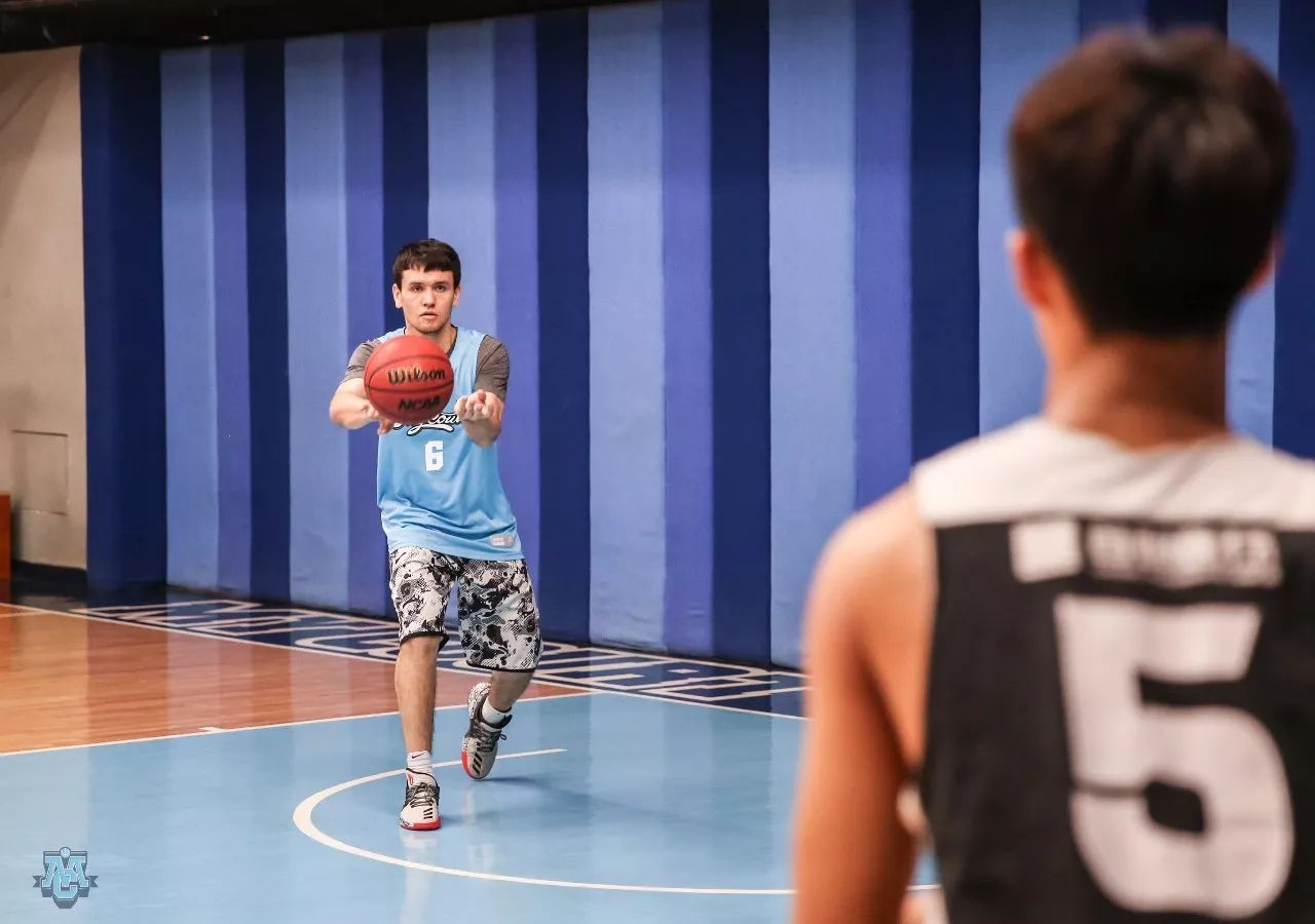 CBA球員牡政家磨煉師導你坤bwin載發制人口職業難度的籃球專門訓誡