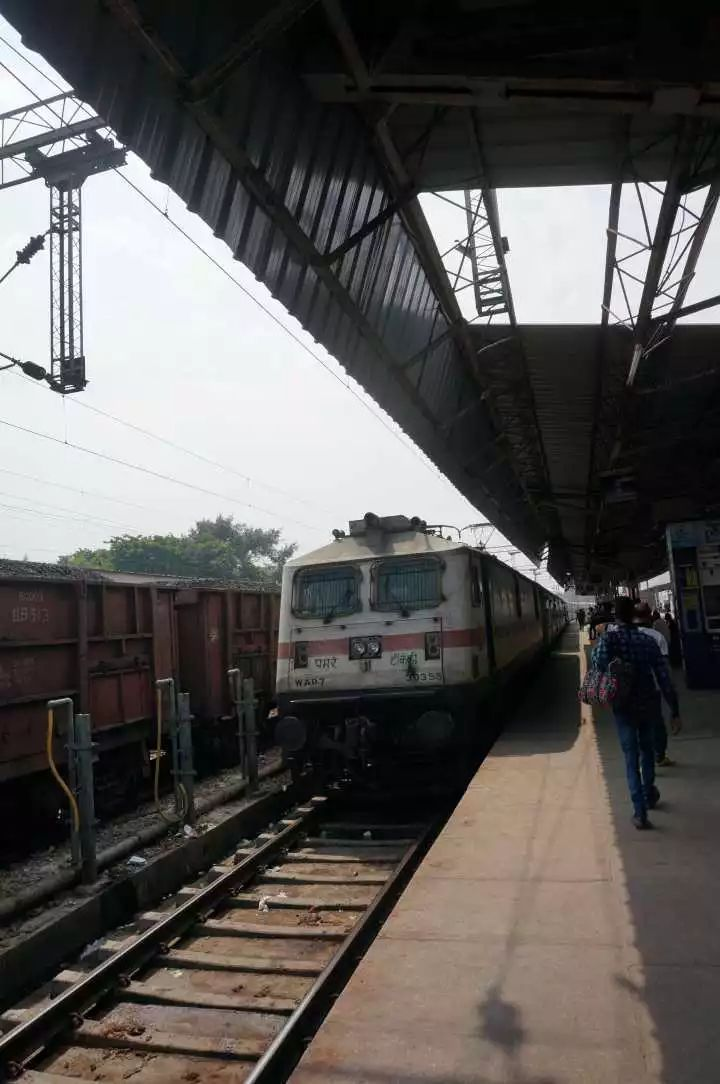 曾经亚洲最牛,印度铁路怎么就越搞越差?