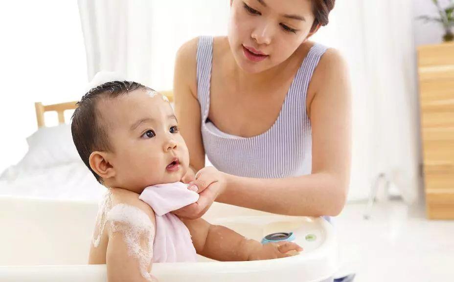 婴儿洗澡9大禁忌,宁愿不洗也不能犯! - yuhongbo555888 - yuhongbo555888的博客
