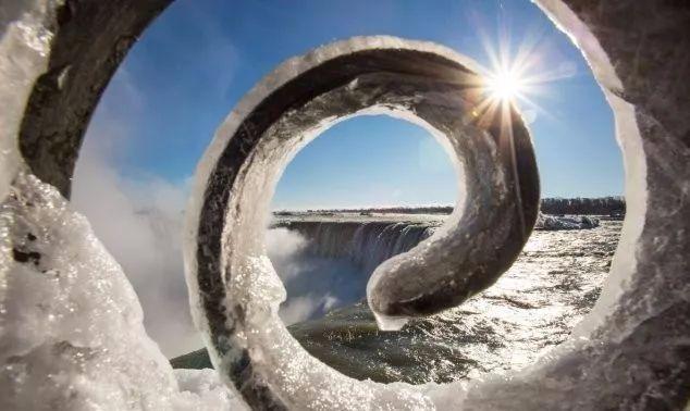 世界最大跨国瀑布冻住了·  绝美奇观如仙境! - 雲游 - 雲游观藏