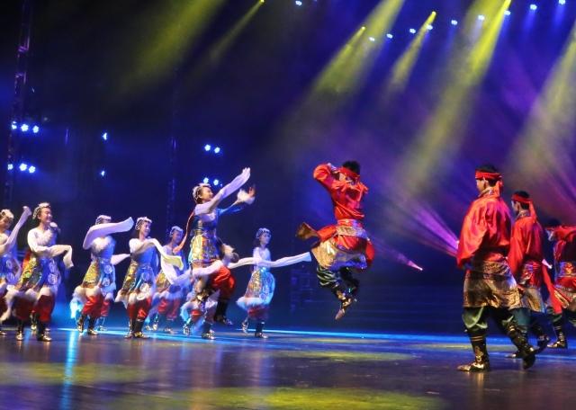 满堂开照曜,一舞动山河 ——我校舞蹈团参加青岛市艺术成果汇演