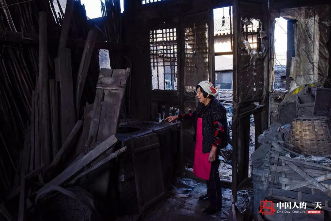 建筑中阳标志性收藏孝义楼化学的各类艺术品,是杨宏升唯一的业余嗜好.初中气密性造型方法检查图片
