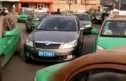 忻州滴滴快车频遭出租车围堵,法律在该事件中不可缺位