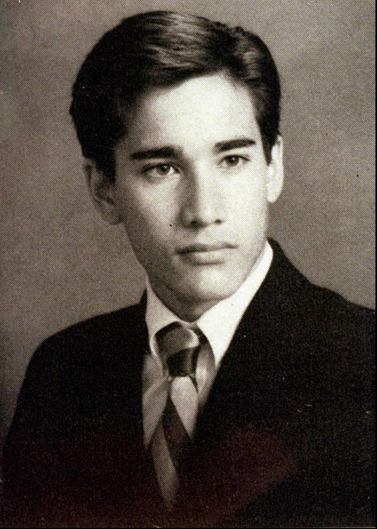 死于富二代枪口下的性感教父范思哲