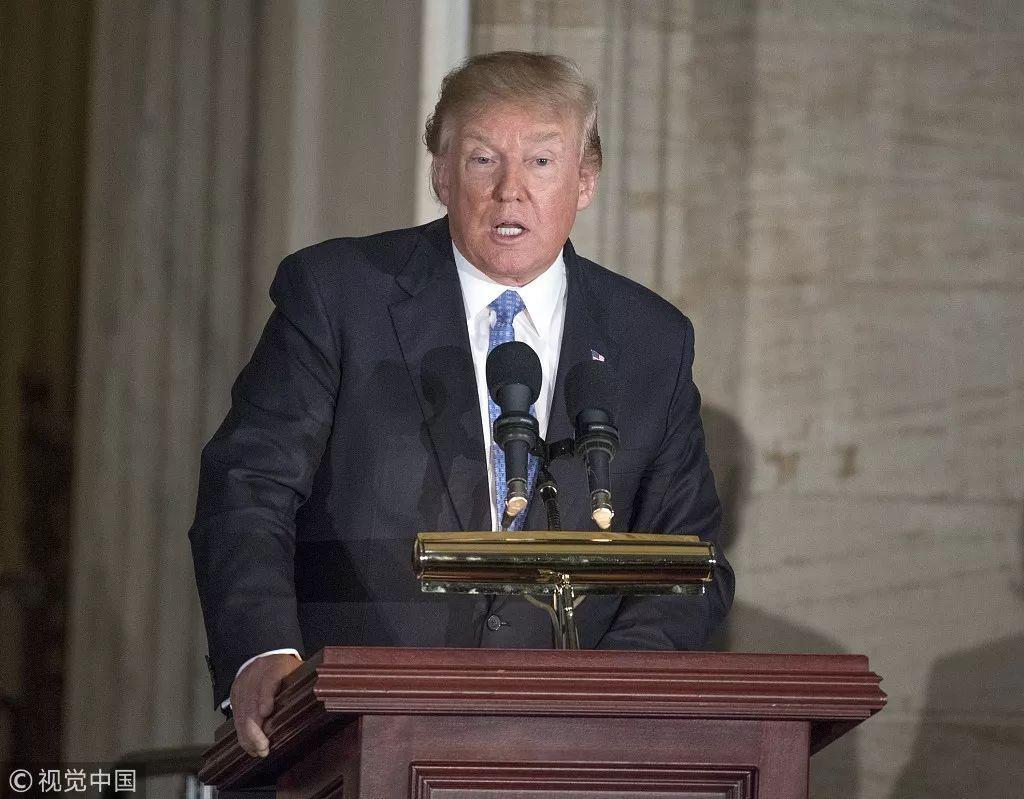 """美国政府""""关门""""这天,特朗普刚好上任一周年:为什么说用商人思维治国注定失败"""
