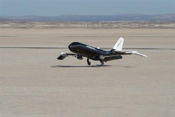 战斗机--美国宇航局研制超级战机:记忆合金造折叠机翼