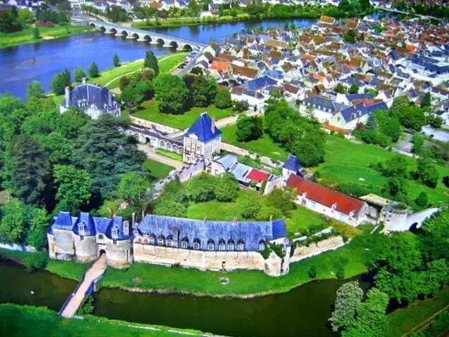 法国皇家城堡塞纳古堡的前世今生